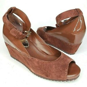 Vince Camuto Wedges Patent Suede Leather Size 7